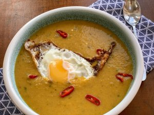 Creamy roots soup