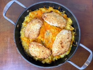 Cheesy veggie hash with breaded crispy chicken