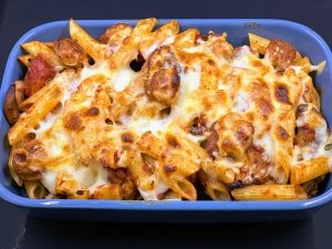 Spicy cheat ball pasta bake