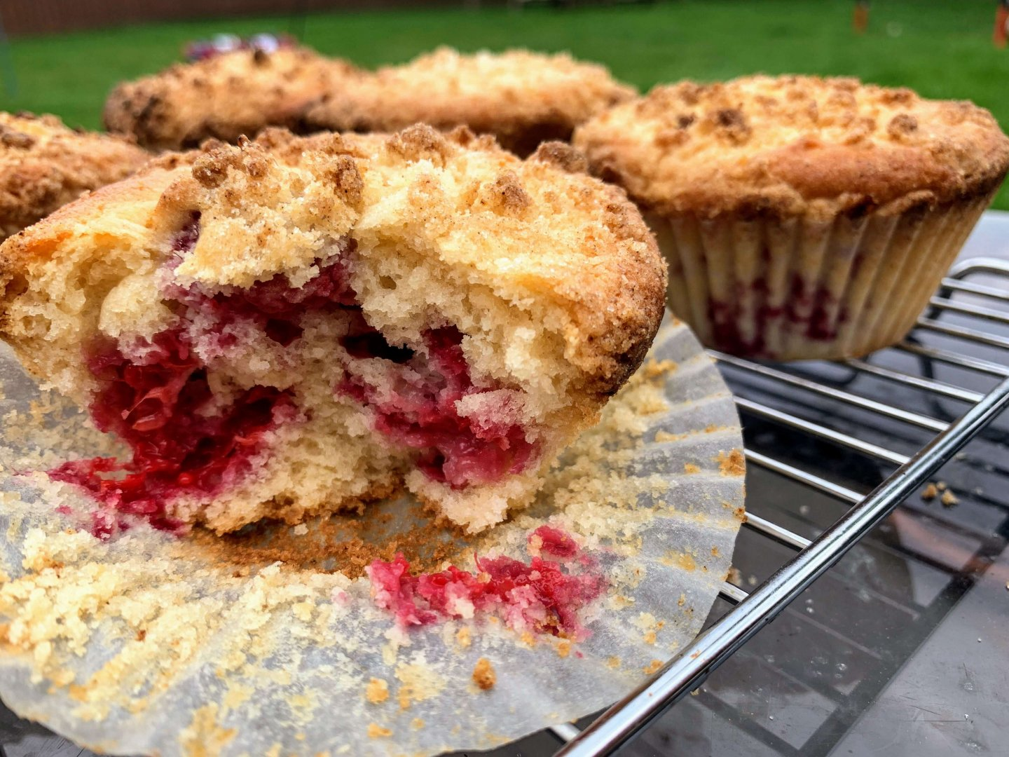 raspberry crumble sourdough muffins