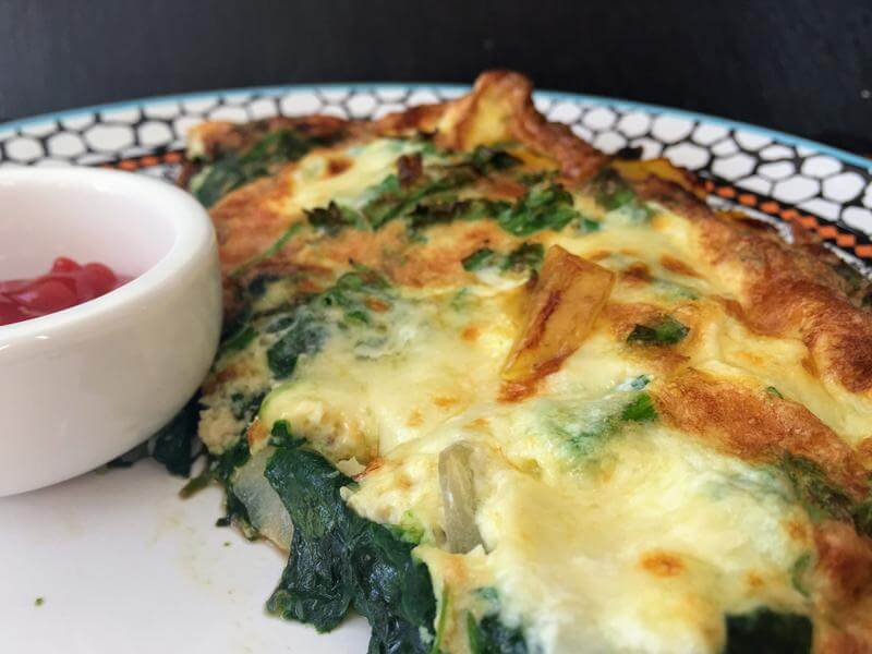 Cheesy spinach and pepper frittata