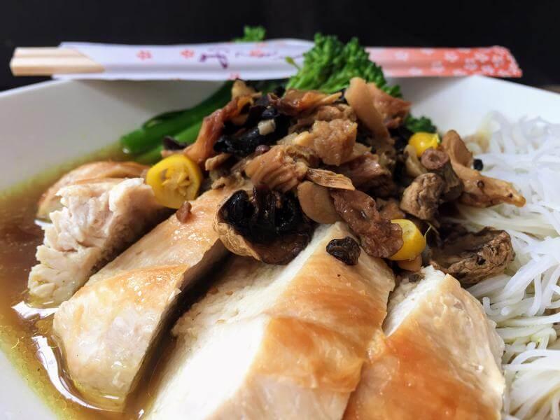 Chicken and mushroom ramen