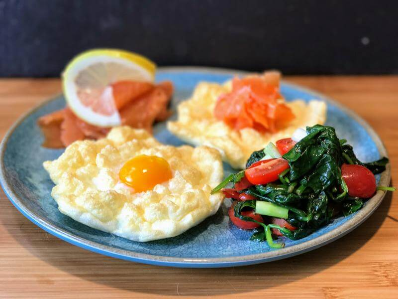 Cloud eggs with smoked salmon