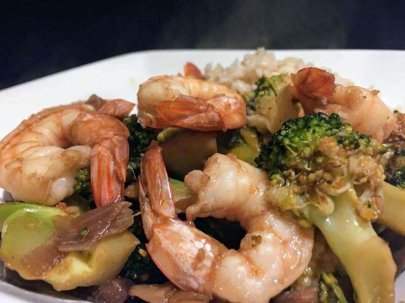 King prawn, mushroom & broccoli stir fry with brown rice