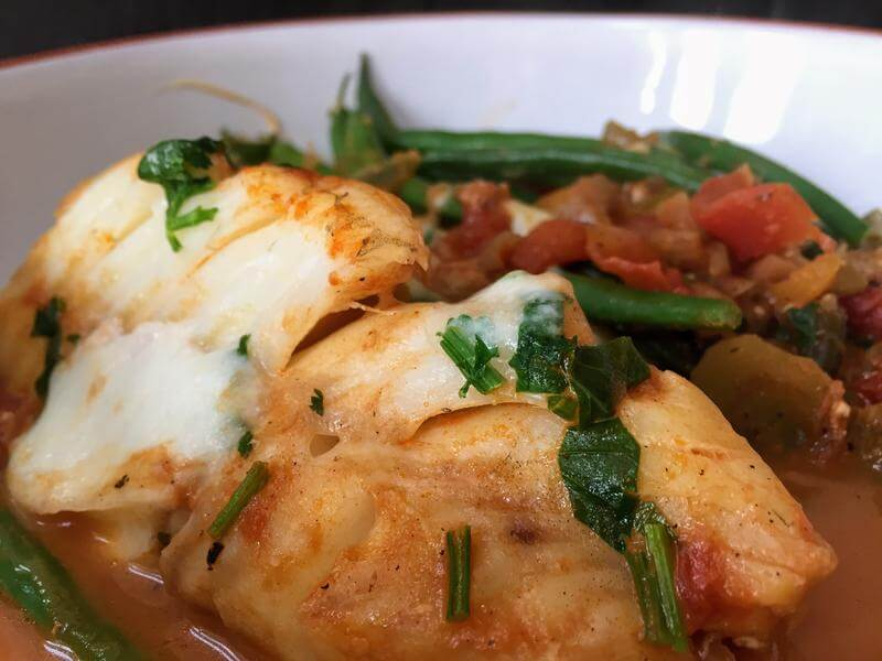 Mexican fish stew with green beans