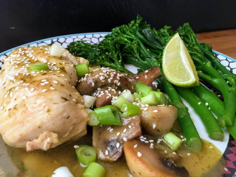 Thai green curried chicken with mushrooms & broccoli